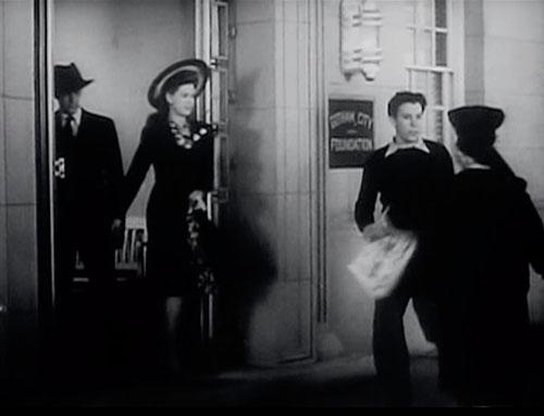 Bob Kane, Newsboy